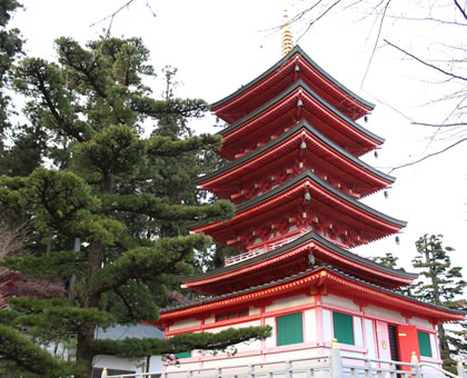 柳沢寺の五重塔は「永代供養塔」を併設しております